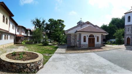 Руенският манастир през лятото (снимката е илюстративна)