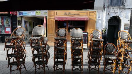 Кафенетата в Тунис също получиха нареждане да затворят