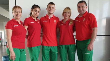 Христина Пенева (втората от ляво на дясно) и сестра ѝ Мариела Пенева (четвъртата) не успяха да попаднат във финалите.