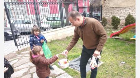 Католически Великден, 2021 г., отец Яцек Вуйчик, Варна