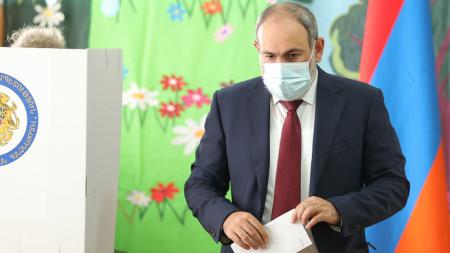 Никол Пашинян в избирателната секция - 20 юни 2021 г.