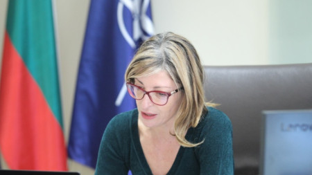 Министър Екатерина Захариева