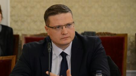 Николай Николов
