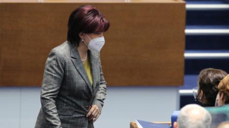 Цвета Караянчева в Народното събрание