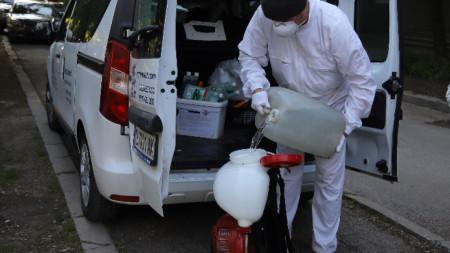 Подготовка за третиране срещу кърлежи и комари в София