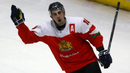 Иван Ходулов се върна от Швеция.