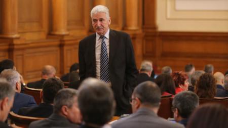 Зам.-председателят на парламентарната група на ГЕРБ Красимир Велчев заяви, че трябва да има справедливост и изсветляване на приватизацията.