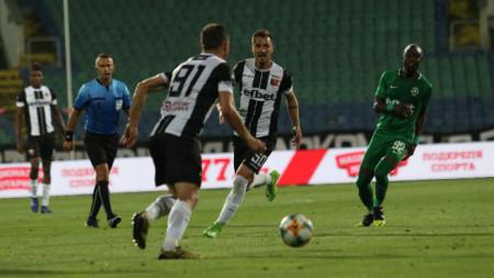Евроучастниците Локомотив и Лудогорец ще играят в неделя в Пловдив.