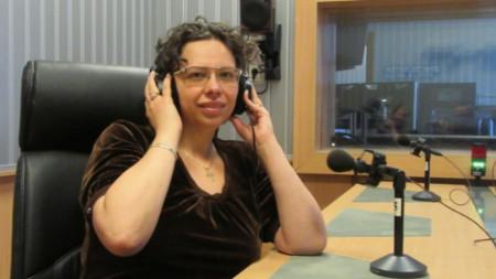 """Велина Минева, директор на Исторически музей-Ихтиман, в студиото на """"Европейски паралели - за музея, за галерията"""""""