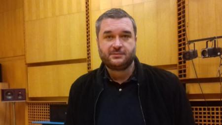 Илиян Кузманов търси начини да защити бизнес интереса си