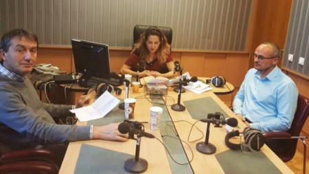 Михаил Заимов, Ива Дойчинова и   Георги Киряков в студиото на