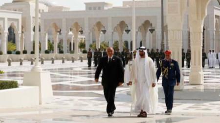 Бойко Борисов с престолонаследника на емирство Абу Даби и заместник-върховен главнокомандващ въоръжените сили на Обединените арабски емирства шейх Мохамед бин Зайед Ал-Нахаян.