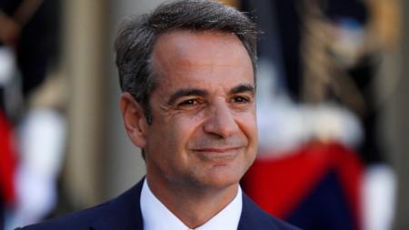 Гръцкият премиер Кириакос Мицотакис обяви, че правителството започва да прилага по-строгите мерки към мигранти и бежанци.