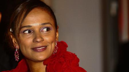 Със състояние от 2,1 млрд. долара Изабел душ Сантуш е най-богатата жена в Африка.