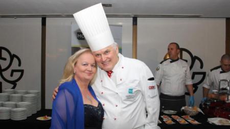 Светлана Тилкова-Алена с шеф Готфрид Ганстерер, официален готвач на Виенския бал