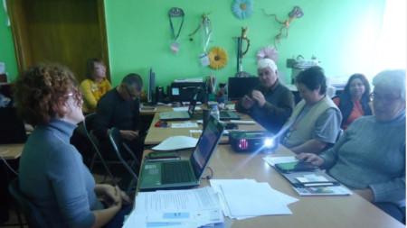 Първата среща от обучението е в читалището в с. Долни Вадин