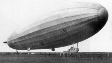 """""""Ямболският цепелин"""" лети 95 часа без междинно кацане, като изминава 6800 километра от Ямбол до столицата на Судан - Хартум и успешно се връща в  Ямбол."""
