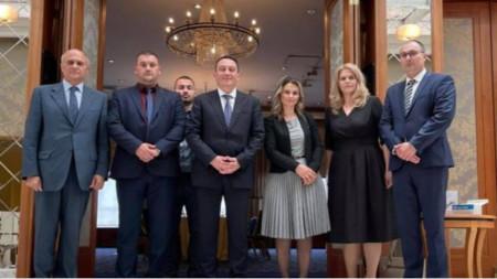 Ο υφυπουργός με τον πρέσβη και εκπροσώπους Σαρακατσάνων