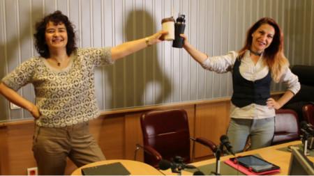 """Магдалена Гигова и Ива Дойчинова в студиото на """"Нашият ден"""" – темата за Българския Монмартър внесе бохемско настроение в студиото"""