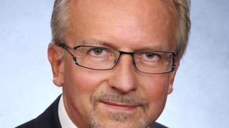 Д-р Карл-Хайнц Камп