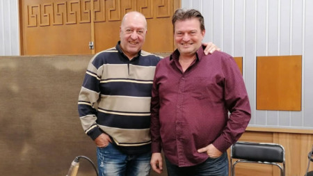 Емил Емилов (вдясно) и Емил Янев