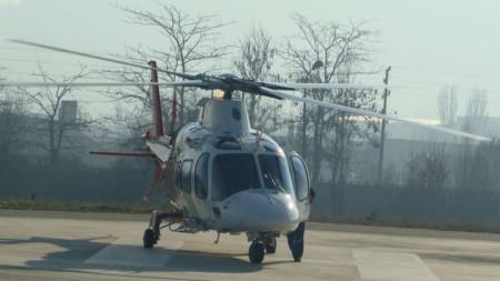 Хеликоптери на няколко пъти летят нощем над Кюстендил и будят кюстендилци. Правят се учебно-тренировъчни облитания, няма място за безпокойство за населението, казаха от Областната дирекция на полицията.