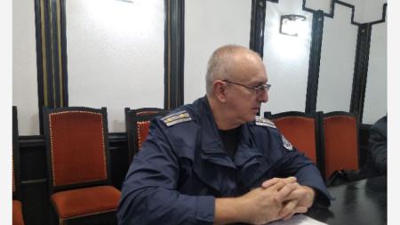 Елвис Иванов , началник сектор