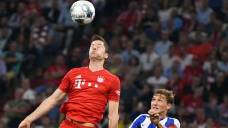 Роберт Левандовски  вкара два гола