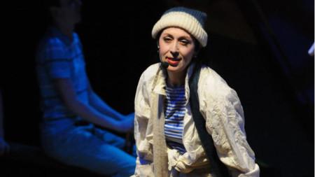 Актрисата Йорданка Стефанова на сцената.