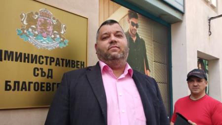 Председателят на ОИК - Благоевград Мартин Бусаров съобщи, че след старта на делота са поискани писмени доказателства и то е отложено за петък.