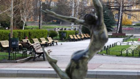 Празни паркове (Снимката е илюстративна)