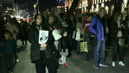 Протестът пред Министерски съвет в София късно в неделя.
