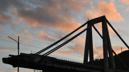 част от срутения мост