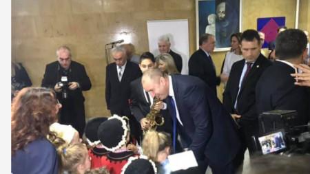 Президентът Румен Радев се срещна с деца, подпомогнати от