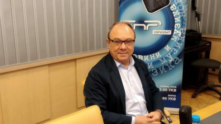 Академик Юлиан Ревалски