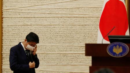 Премиерът Шиндзо Абе на днешната пресконференция.