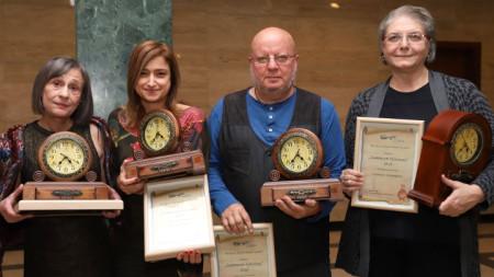 Отличените - Антонина Кирякова, Диляна Трачева, Румен Леонидов и Светлана Димитрова (от ляво на дясно).