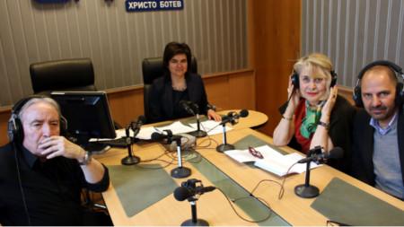 """Серж Пе, Нина Цанева, Мария Конакчиева и Оливие Кашлер (отляво надясно) в студиото на  """"Нашият ден"""""""