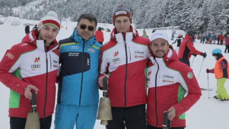 Националите с чановете. От ляво на дясно: Йоан Тодоров, Камен Златков и Алберт Попов.