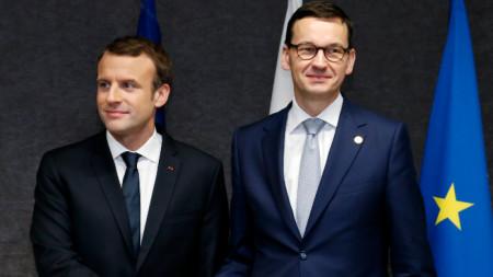Еманюел Макрон с Матеуш Моравецки в Брюксел.