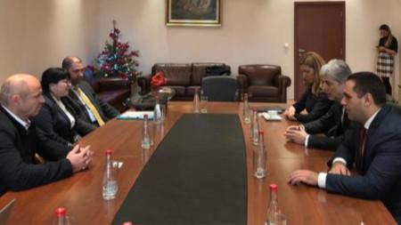 Трима министри - Нено Димов, Николина Ангелкова и  Емил Караниколов на срещата с  Марк Жирардели
