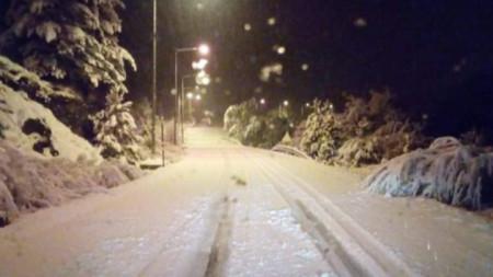 Снегът в гръцкото планинско село Милия в Епир.