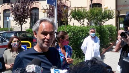 Италианският певец Андреа Бочели разкри днес, че е прекарал коронавирус и вече се е възстановил.
