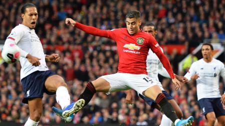 Манчестър Юнайтед и Ливърпул завършиха 1:1