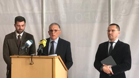 Съпредседателите на РОД Давид Александров и Владимир Шейтанов дадоха пресконференция с евродепутата от ВМРО Ангел Джамбазки.
