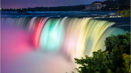 За първи път Ниагарският водопад ще бъде осветен в цветовете на българския трибагреник.