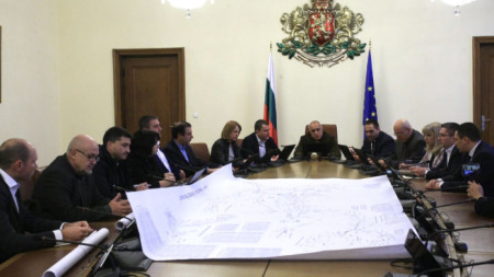 Срещата в Министерски съвет за търсене на решение на водната криза в Перник.