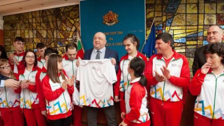Красен Кралев испраћа бугарску делегацију на Специјалну олимпијаду