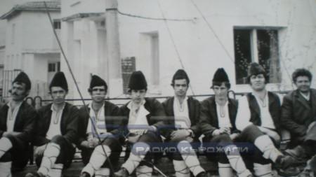 Мъжката битова група от с. Долно Къпиново.