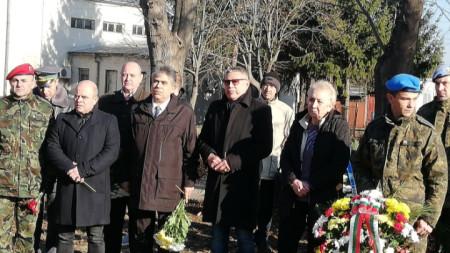 В Русе се състоя панихидата в памет на офицерски кандидат Антон Петров, който загина преди 15 години при атентата срещу българската база в Кербала, Ирак.